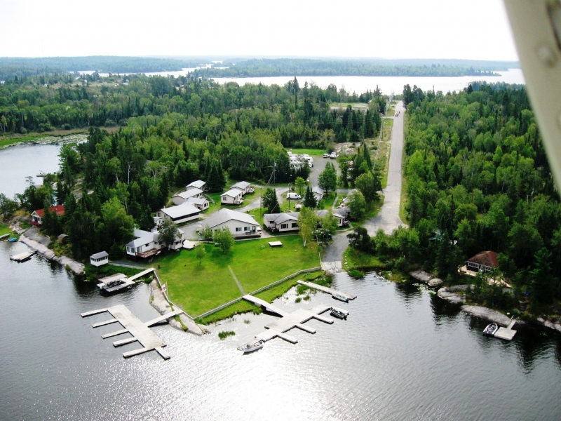 Paradise cove resorts minaki ontario paradise cove i for Ontario canada fishing resorts