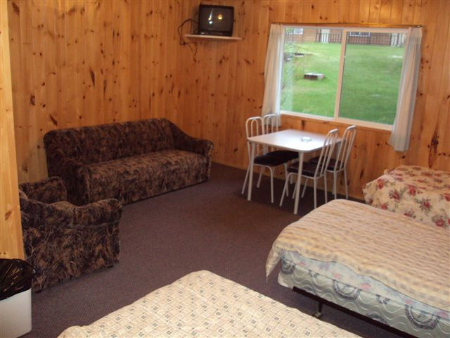 Paradise cove resorts minaki ontario paradise cove lodge for Ontario fishing lodges and resorts